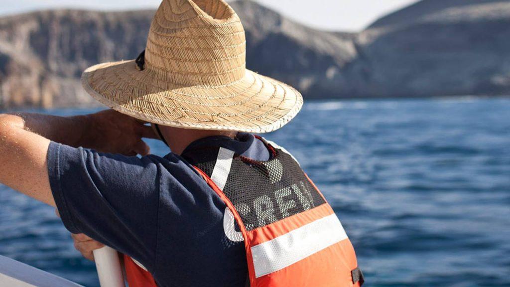 Dive boat mate